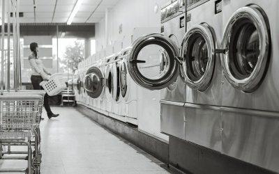 Cómo desinfectar ropa en residencias de ancianos