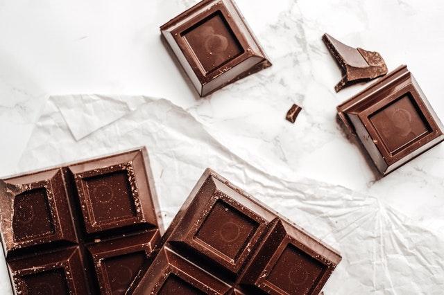 quitar chocolate de la ropa